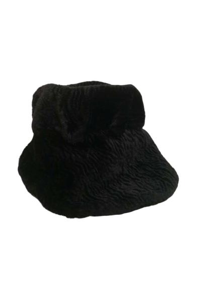 Chapeau en fausse fourrure noir