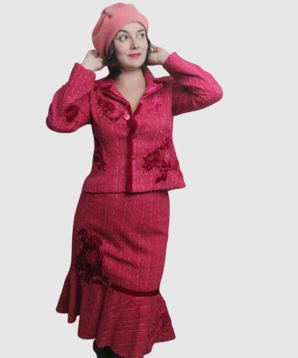 tailleur rose rétro